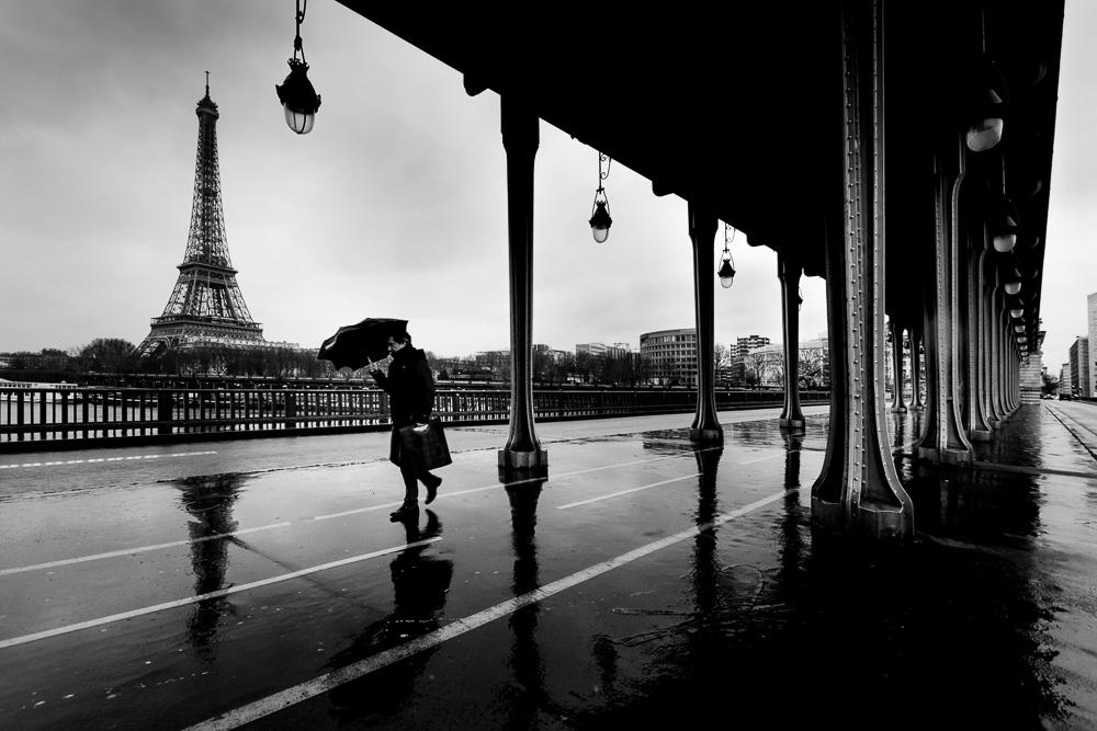 Von der Brücke Pont de Bir-Hakeim hat man einen tollen Blick auf den Eiffelturm